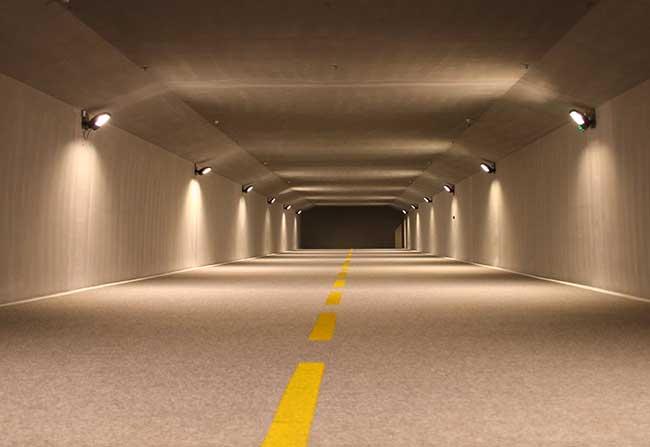 安装LED投光灯和日光灯有什么区别?
